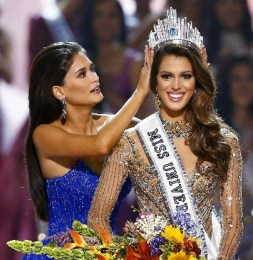 Iris Mittenaere Miss Universe Winning Moments