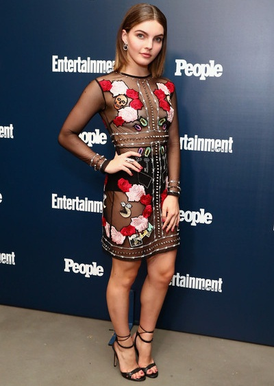 Camren Bicondova Weight Height Shoe Size