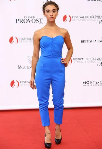 Stella Maeve Height Weight Shoe Size