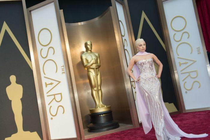 Oscar Nominations Will Stream Live January 22, 2019 — Tracee Ellis Ross and Kumail Nanjiani Will Announce