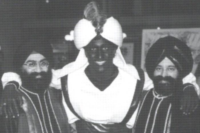Justin Trudeau Blackface Photos Appear After He Apologized For Brownface Scandal — 'I Never Should Have Done It'