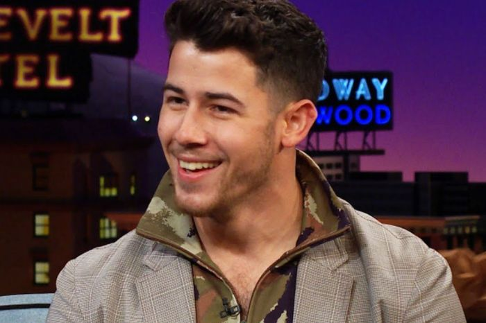 Jonas Brothers Fans React To Nick Jonas Being Groped Onstage