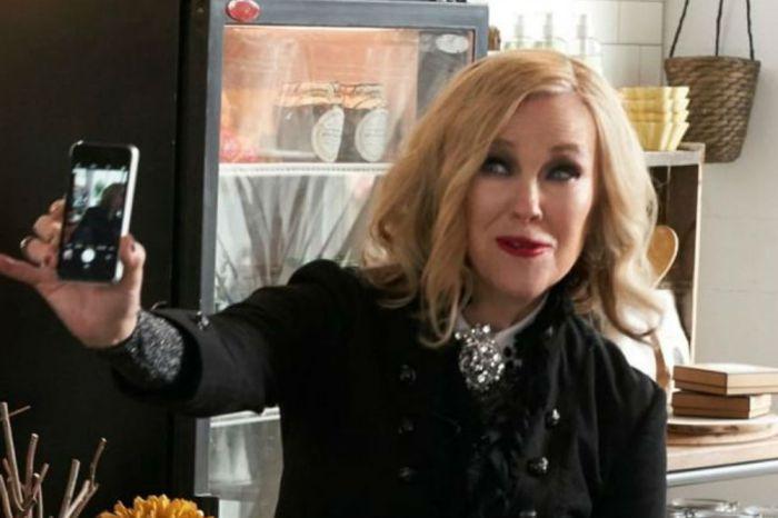 Schitt's Creek - Catherine O'Hara Says The Popular Series 'Really Wrapped Up Beautifully'