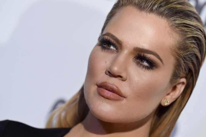 KUWK: Khloe Kardashian Shows Off Her Massive Lips In New Pic!