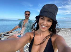 KUWTK: Kourtney Kardashian And Scott Disick Back Together After Exotic Private Island Getaway?