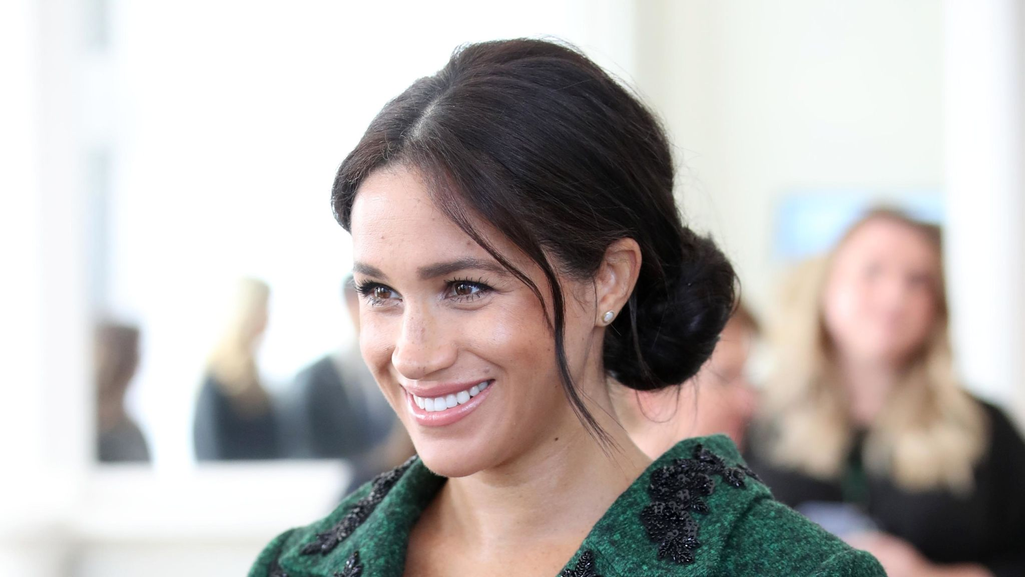 """meghan-markle-reportedly-wants-to-delay-lawsuit-against-u-k-press-heres-why"""