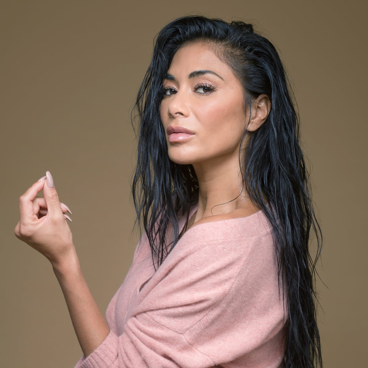 """""""nicole-scherzinger-impresses-fans-by-bathing-in-ice-water-after-workout"""""""