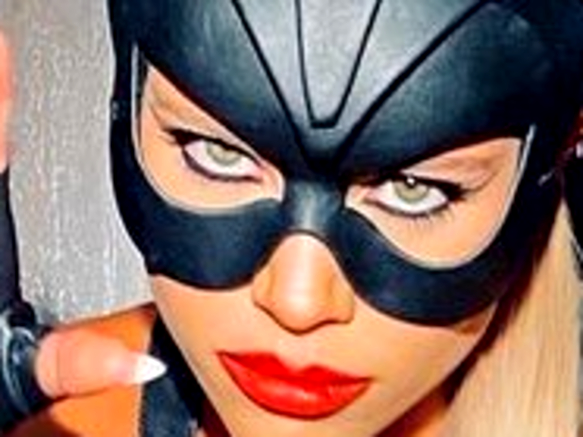 """sofia-richie-wears-skimpy-catwoman-costume-to-kendall-jenners-halloween-birthday-party"""