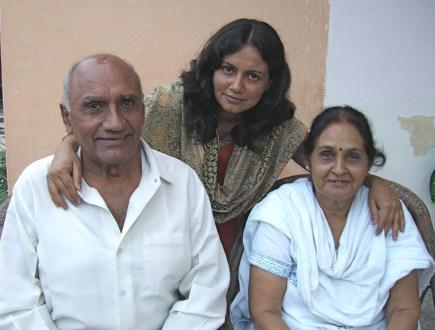 Anjula & her parents.