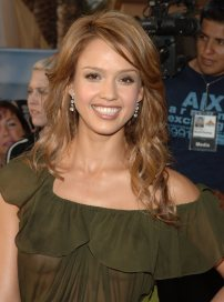 Jessica_Alba__2005_MTV_Movie_Awards_7