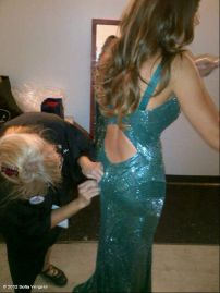 Sofia_Vergara_wardrove_malfunction_at_The_64th_Primetime_Emmy_Awards_in_LA_02