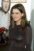 Anne_Hathaway_at_the_The_School_of_Rock_Premiere_in_hollywood_09