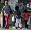 Jodie_Foster_whalw_tail_leaving_Petco_in_Hollywood_01