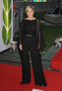 elsa_pataky_at_the_premiere_of_rush_in_london_11