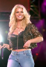 jessica_simpson_performs_at_wango_tango_concert_02