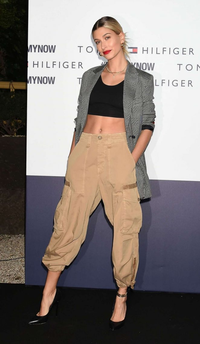 Hailey Baldwin – Tommy Hilfiger Presents 'Tokyo Icons' Photocall in Tokyo