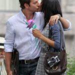 Bradley Cooper and Zoe Saldana kissing