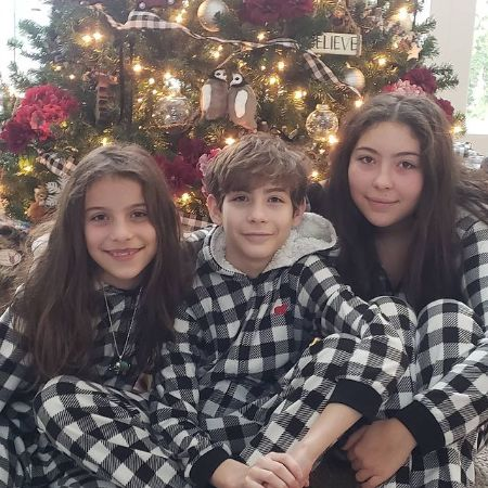 Jacob Tremblay with his mother and his cute little sister