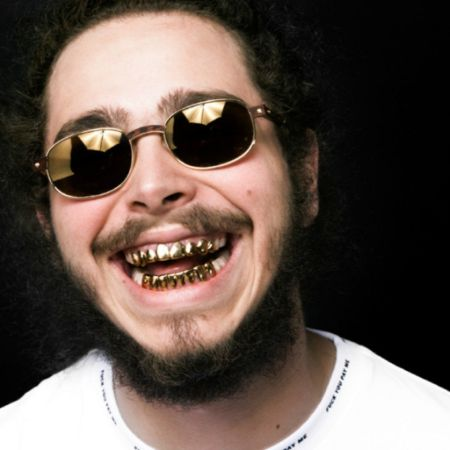 Post Malone with Golden Teeth (1)