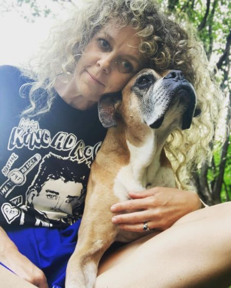 The Snippet of Canadian actress, Juno Rinaldi with her dog