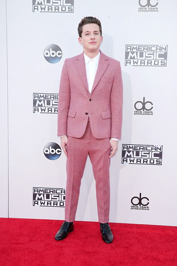 charlie-puth-amas-2015-american-music-awards