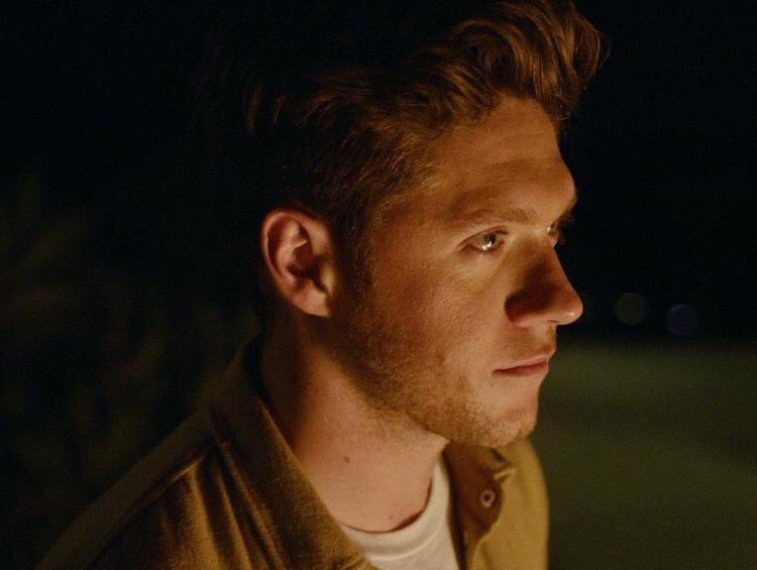 Niall Horan Debuts His On The Loose Music Video Celeb Secrets - Cool cars kelsey waters lyrics