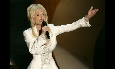 Dolly Parton Speaks Out on East Tennessee Wildfires
