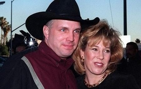Garth Brooks with his former wife Sandy Mahl.