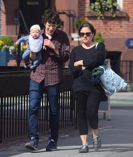 Jesse Eisenberg with his wife Anna Sprout along with their son.