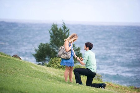 Taylor Boldt proposed to his girlfriend Anna Grace in Hawaii in 2016.