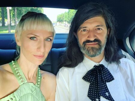 Mickey Sumner and Chris Kantrowitz are married since 2017.