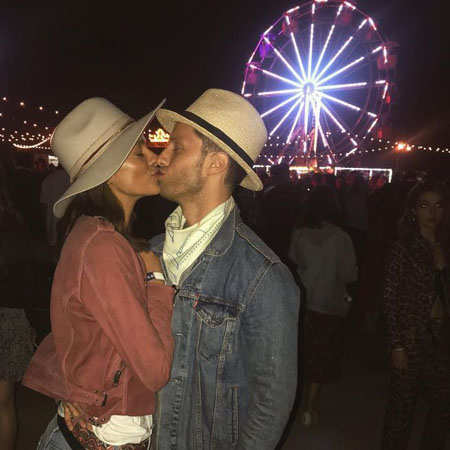 Laysla De Oliveira and Jonathan Keltz are not afraid to show their affection for one another.