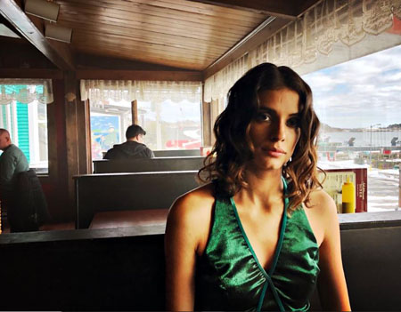 Laysla De Oliveira plays Dodge in the Netlfix series Locke & Key.