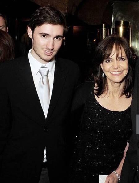 Sally Field and Alan Greisman dated in 1994.