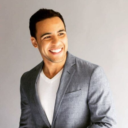 Victor Rasuk is not dating a girlfriend at present.