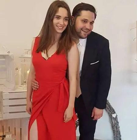 Wiktoria Filus is married to her husband Maciej Filus.
