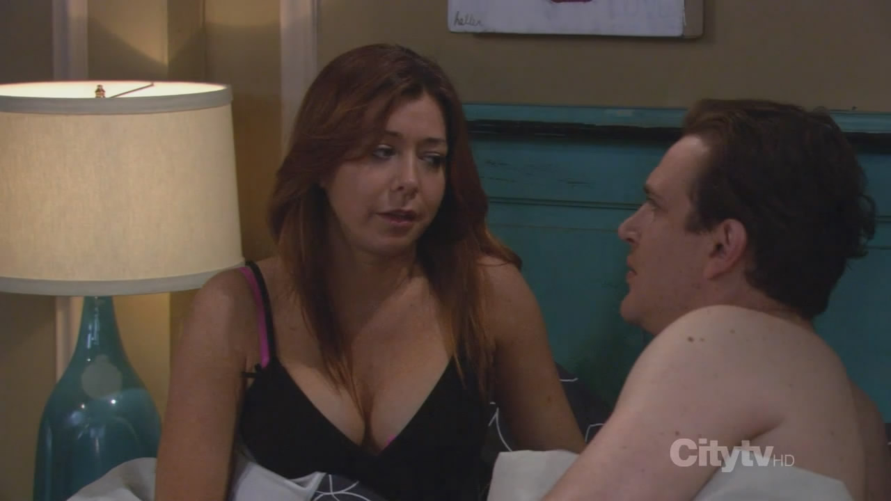 alyson hannigan topless