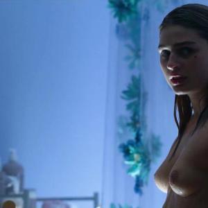 Lilliya Scarlett Reid  nackt