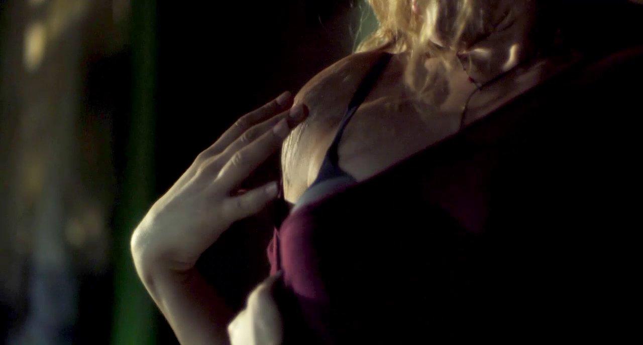 rachelle lefevre nude scene