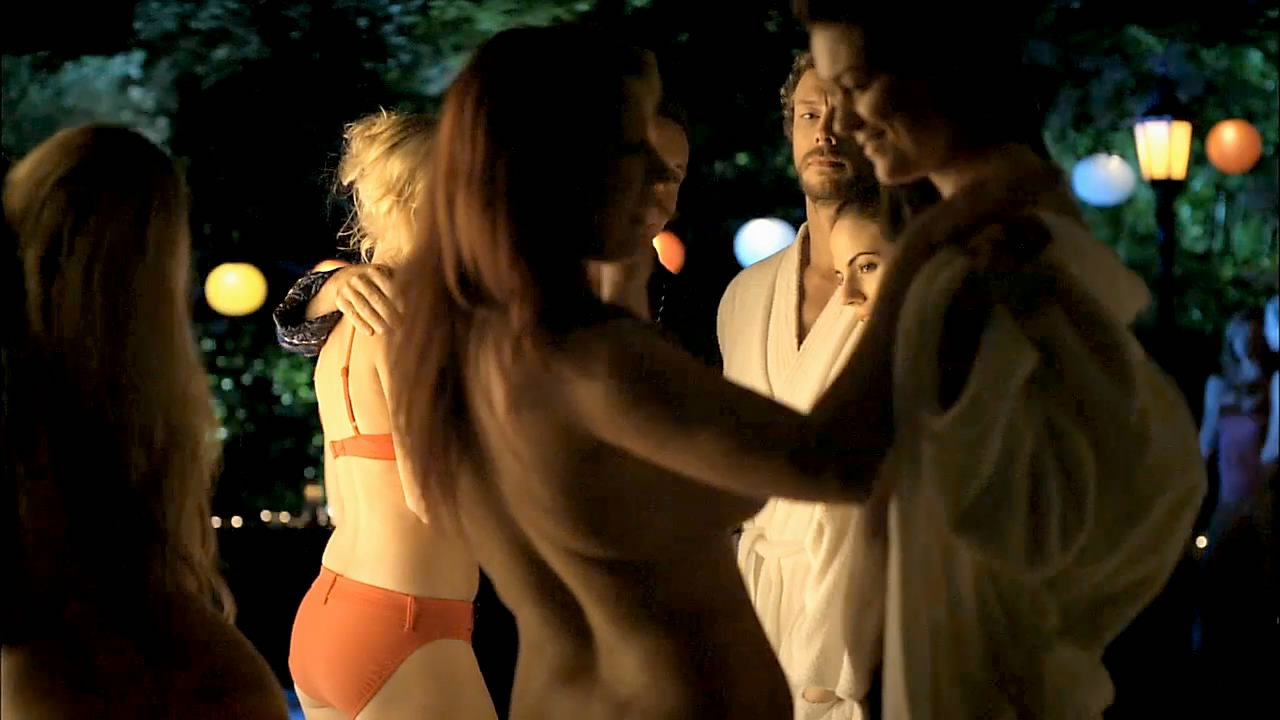 nude on lost girl