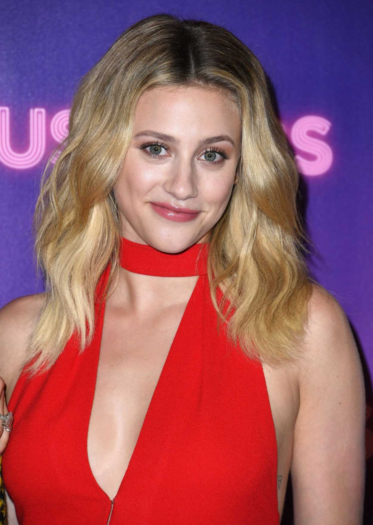 Lili Reinhart Attends Hustlers Photocall In Los Angeles 08