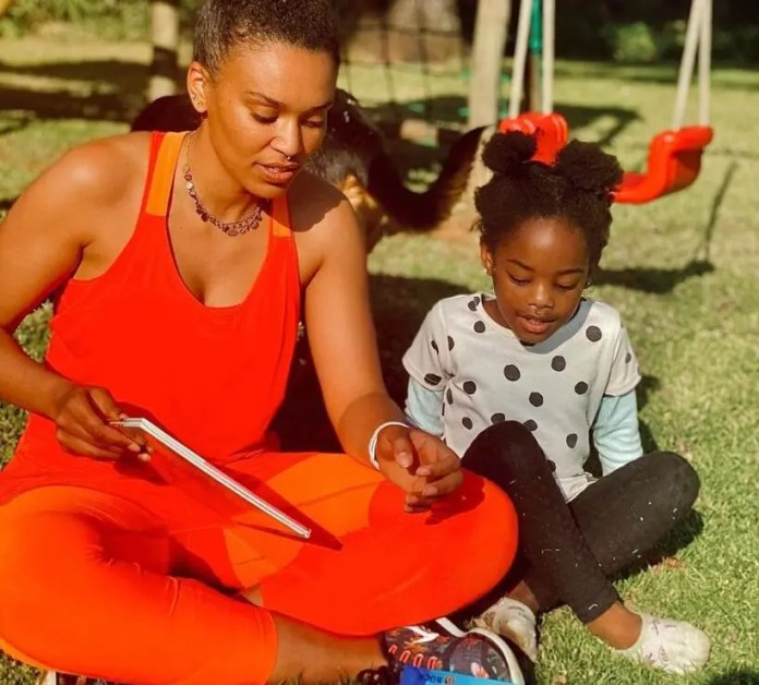 Pearl-Thusi-and-Daughter