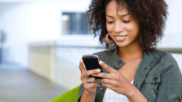 Why you need to stop texting first if you want to enjoy dating