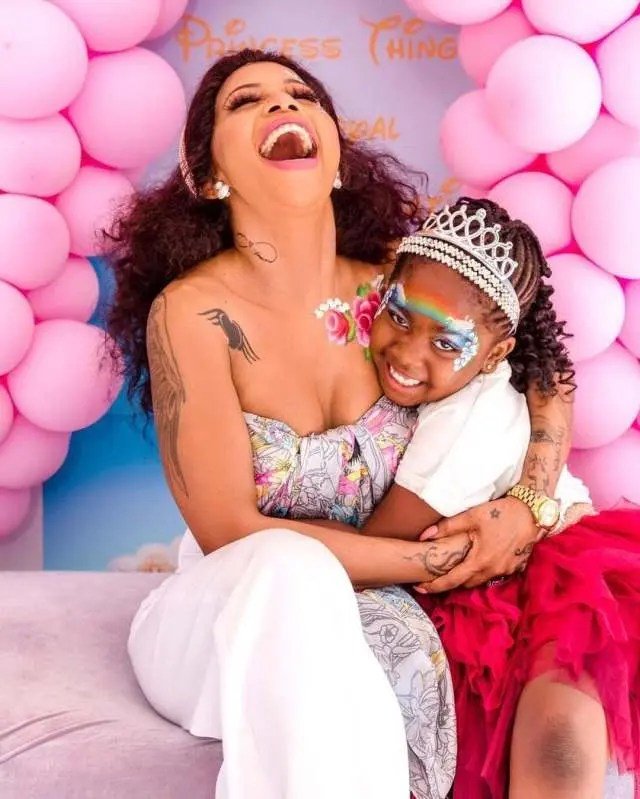 Kelly Khumalo spoils her daughter with a ride – Video