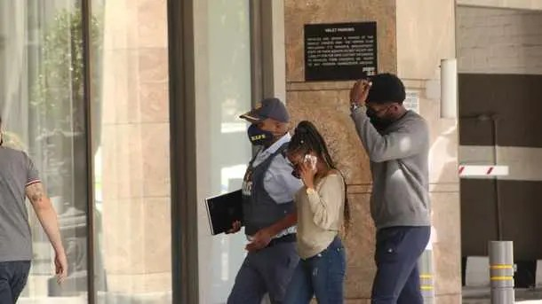 Nelli-Tembe-family-arrives-at-Hotel