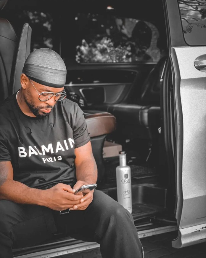 Prince Kaybee's shocking reply as H0RNY female fan begs him for s.e.x