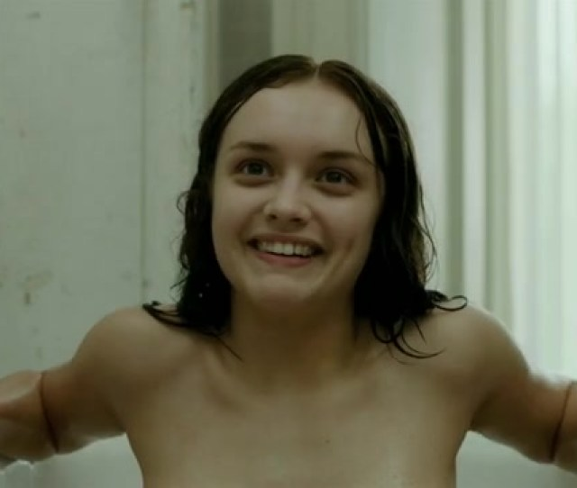Olivia Cooke Topless In The Quiet Ones Celebs Roulette Tube