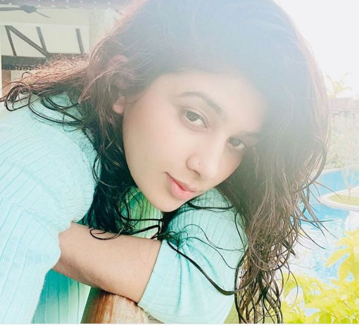 isha-chhabra-mastram-actress-images