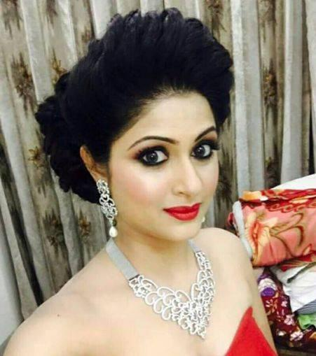 Shefali Sharma Biography, Wiki, Age, Height, Husband, Family, Profile
