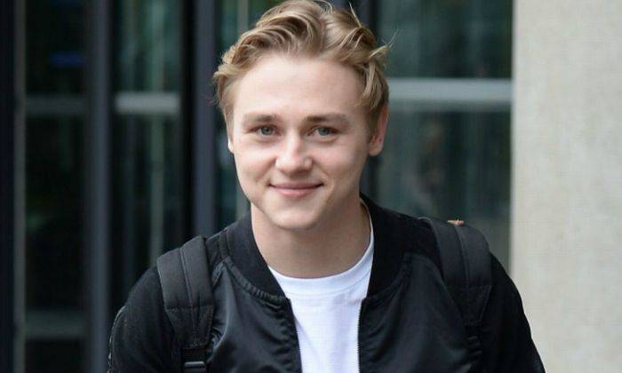 Ben Hardy Height, Weight, Age, Wiki, Biography, Net Worth, Facts